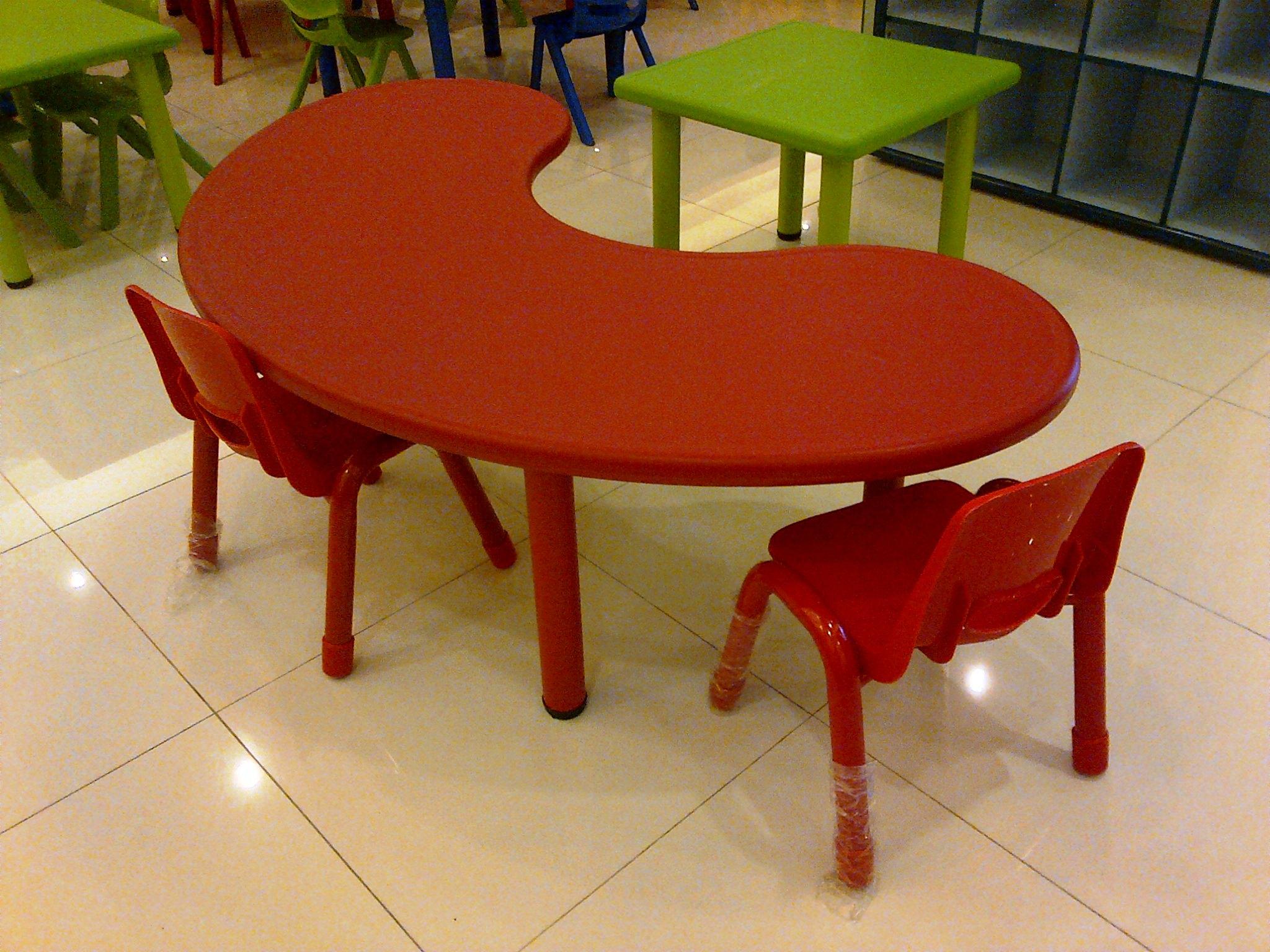 Hasil gambar untuk meja kursi sekolah tk